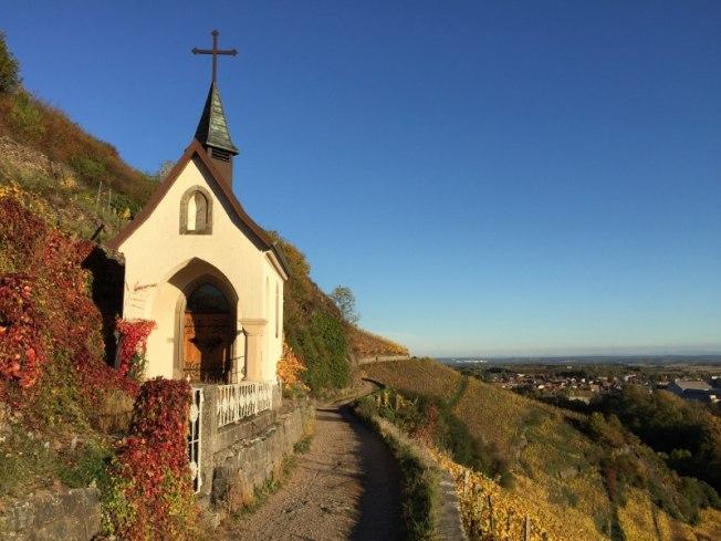 Chapelle St-Urbain dans le vignoble du Rangen